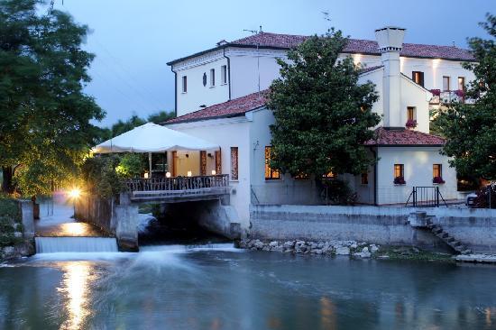 L italia vista dagli hotel simone favaro for Cabina del mulino del dennis